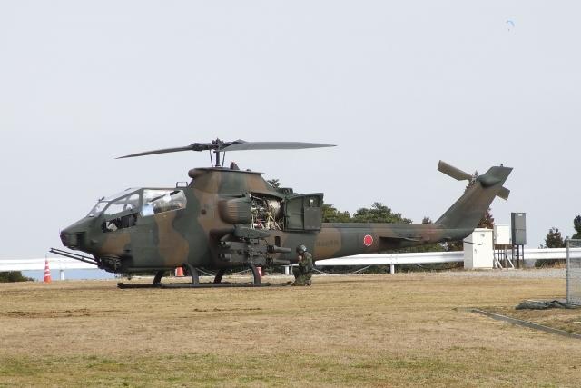 木人さんが、峯岡山分屯基地で撮影した陸上自衛隊 AH-1Sの航空フォト(飛行機 写真・画像)