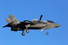 kazuchiyanさんが、岩国空港で撮影したアメリカ海兵隊 F-35B Lightning IIの航空フォト(飛行機 写真・画像)