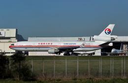 パール大山さんが、成田国際空港で撮影した中国東方航空 MD-11の航空フォト(飛行機 写真・画像)
