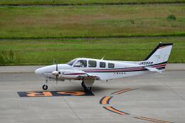 天心さんが、神戸空港で撮影した朝日航空 Baron G58の航空フォト(飛行機 写真・画像)