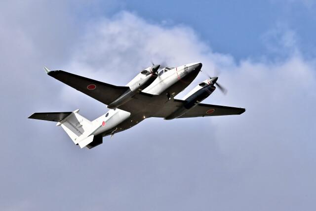 Dojalanaさんが、函館空港で撮影した陸上自衛隊 LR-2の航空フォト(飛行機 写真・画像)