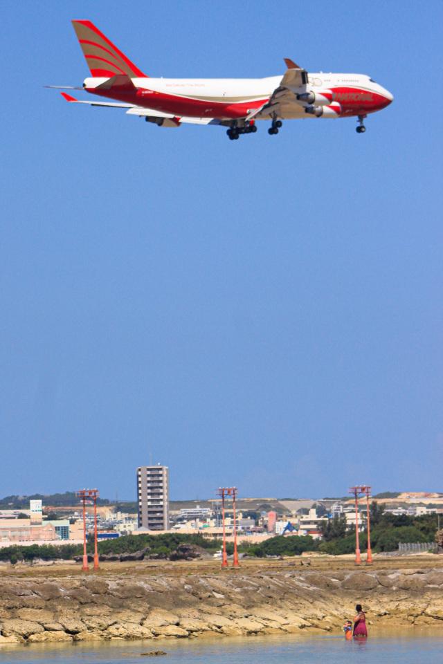 ZZさんが、嘉手納飛行場で撮影したナショナル・エアラインズ 747-446(BCF)の航空フォト(飛行機 写真・画像)