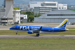 EC5Wさんが、名古屋飛行場で撮影したフジドリームエアラインズ ERJ-170-200 (ERJ-175STD)の航空フォト(飛行機 写真・画像)