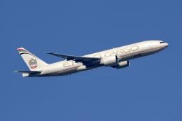 NIKEさんが、アムステルダム・スキポール国際空港で撮影したエティハド航空 777-FFXの航空フォト(飛行機 写真・画像)