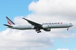 青春の1ページさんが、成田国際空港で撮影したエールフランス航空 777-328/ERの航空フォト(飛行機 写真・画像)