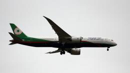 captain_uzさんが、成田国際空港で撮影したエバー航空 787-9の航空フォト(飛行機 写真・画像)