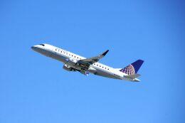 まいけるさんが、ロサンゼルス国際空港で撮影したスカイウエスト ERJ-170-200 LR (ERJ-175LR)の航空フォト(飛行機 写真・画像)