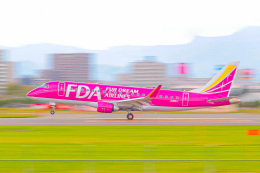 KAMIYA JASDFさんが、札幌飛行場で撮影したフジドリームエアラインズ ERJ-170-200 (ERJ-175STD)の航空フォト(飛行機 写真・画像)