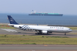 クロマティさんが、中部国際空港で撮影したチャイナエアライン A330-302の航空フォト(飛行機 写真・画像)