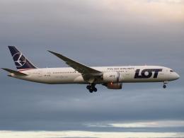 FT51ANさんが、成田国際空港で撮影したLOTポーランド航空 787-9の航空フォト(飛行機 写真・画像)
