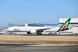 ポン太さんが、成田国際空港で撮影したアリタリア航空 777-3Q8/ERの航空フォト(飛行機 写真・画像)
