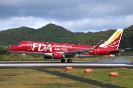 じーのさんさんが、八丈島空港で撮影したフジドリームエアラインズ ERJ-170-200 (ERJ-175STD)の航空フォト(飛行機 写真・画像)