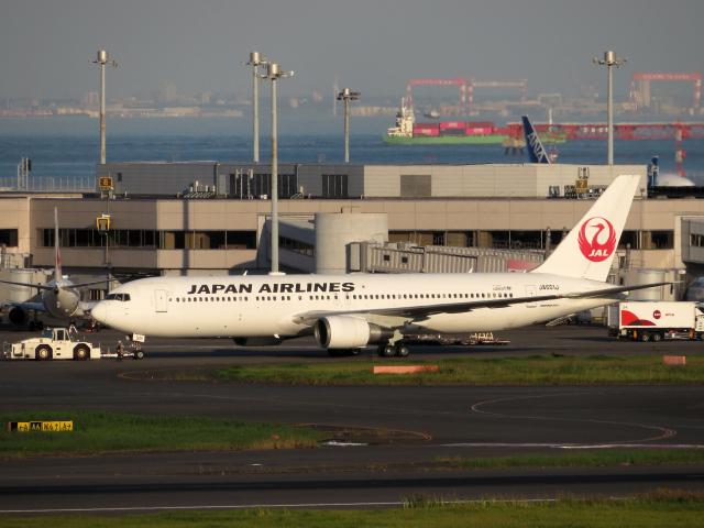 狛犬さんが、羽田空港で撮影した日本航空 767-346/ERの航空フォト(飛行機 写真・画像)
