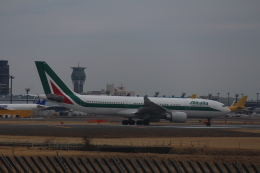 NRT loverさんが、成田国際空港で撮影したアリタリア航空 A330-202の航空フォト(飛行機 写真・画像)