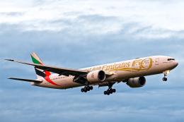 SGR RT 改さんが、成田国際空港で撮影したエミレーツ航空 777-31H/ERの航空フォト(飛行機 写真・画像)