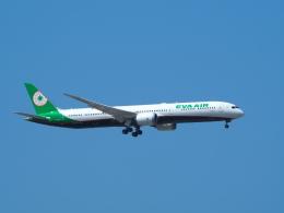 鷹71さんが、台湾桃園国際空港で撮影したエバー航空 787-10の航空フォト(飛行機 写真・画像)