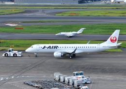 じーく。さんが、羽田空港で撮影したジェイエア ERJ-190-100(ERJ-190STD)の航空フォト(飛行機 写真・画像)