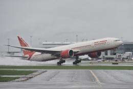 thomasYVRさんが、バンクーバー国際空港で撮影したエア・インディア 777-337/ERの航空フォト(飛行機 写真・画像)