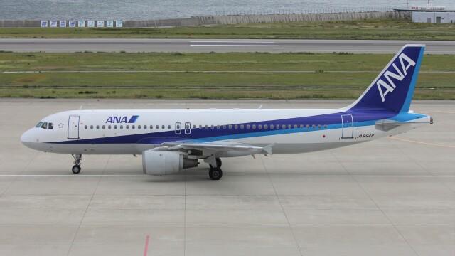 航空見聞録さんが、神戸空港で撮影した全日空 A320-211の航空フォト(飛行機 写真・画像)