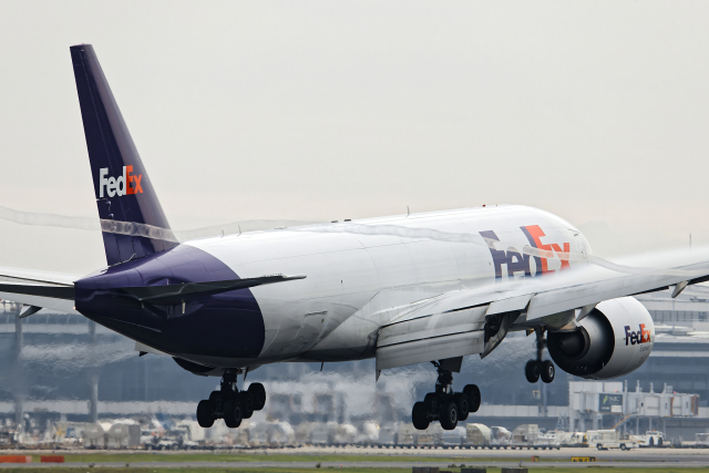 SGR RT 改さんが、成田国際空港で撮影したフェデックス・エクスプレス 777-FS2の航空フォト(飛行機 写真・画像)