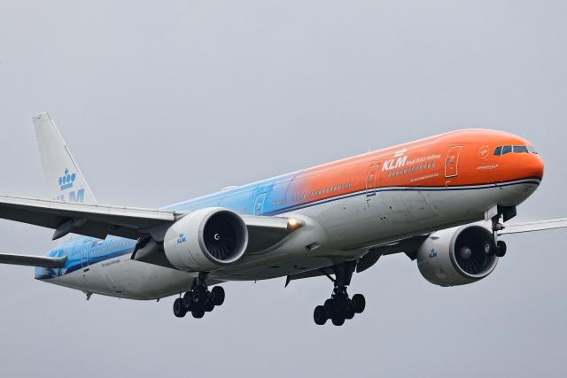 SGR RT 改さんが、成田国際空港で撮影したKLMオランダ航空 777-306/ERの航空フォト(飛行機 写真・画像)