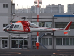 FT51ANさんが、東京ヘリポートで撮影した朝日航洋 AS355F2 Ecureuil 2の航空フォト(飛行機 写真・画像)