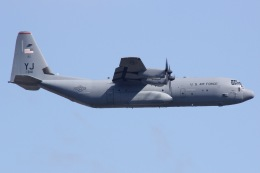 しゃこ隊さんが、横田基地で撮影したアメリカ空軍 C-130J-30 Herculesの航空フォト(飛行機 写真・画像)