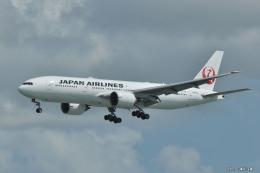 やまちゃんKさんが、那覇空港で撮影した日本航空 777-246/ERの航空フォト(飛行機 写真・画像)