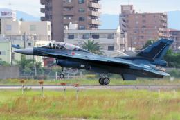 yabyanさんが、名古屋飛行場で撮影した航空自衛隊 F-2Bの航空フォト(飛行機 写真・画像)