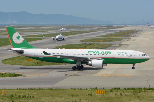 Deepさんが、関西国際空港で撮影したエバー航空 A330-203の航空フォト(飛行機 写真・画像)