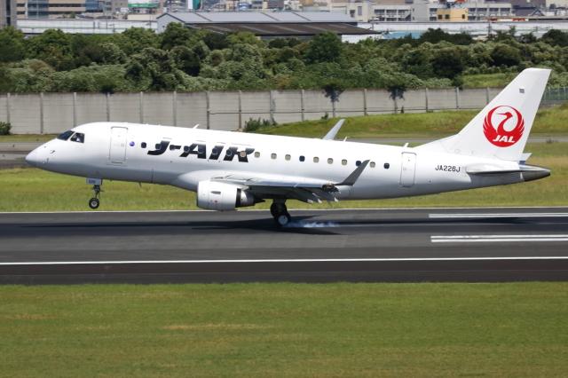 ▲®さんが、伊丹空港で撮影したジェイエア ERJ-170-100 (ERJ-170STD)の航空フォト(飛行機 写真・画像)