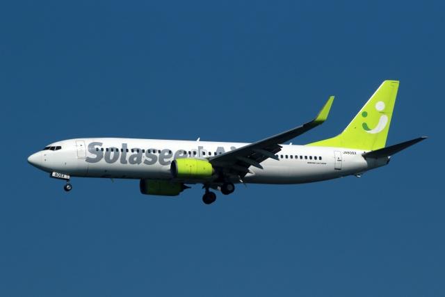 採れたてほしいもさんが、羽田空港で撮影したソラシド エア 737-81Dの航空フォト(飛行機 写真・画像)