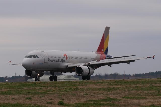 木人さんが、茨城空港で撮影したアシアナ航空 A320-232の航空フォト(飛行機 写真・画像)