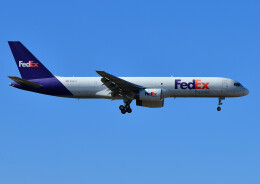 じーく。さんが、成田国際空港で撮影したフェデックス・エクスプレス 757-28A(SF)の航空フォト(飛行機 写真・画像)