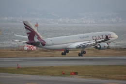 磐城さんが、関西国際空港で撮影したカタール航空 A330-202の航空フォト(飛行機 写真・画像)