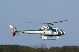 もぐ3さんが、新潟空港で撮影したアカギヘリコプター AS350B Ecureuilの航空フォト(飛行機 写真・画像)