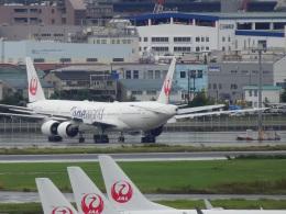 Blue779Aさんが、羽田空港で撮影した日本航空 777-246の航空フォト(飛行機 写真・画像)