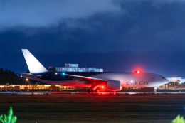 SGR RT 改さんが、成田国際空港で撮影したサザン・エア 777-F16の航空フォト(飛行機 写真・画像)