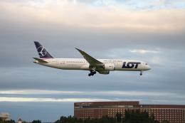 ゆーすきんさんが、成田国際空港で撮影したLOTポーランド航空 787-9の航空フォト(飛行機 写真・画像)