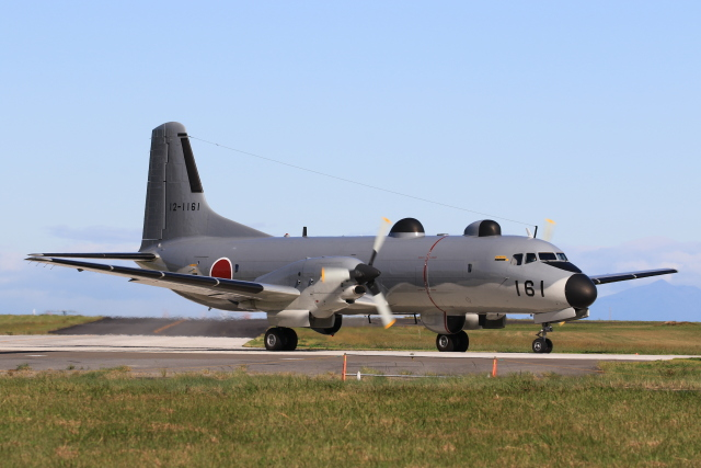 F-4さんが、入間飛行場で撮影した航空自衛隊 YS-11A-402EBの航空フォト(飛行機 写真・画像)