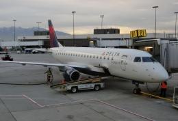 TA27さんが、ソルトレークシティ国際空港で撮影したコンパス航空 ERJ-170-200 LR (ERJ-175LR)の航空フォト(飛行機 写真・画像)