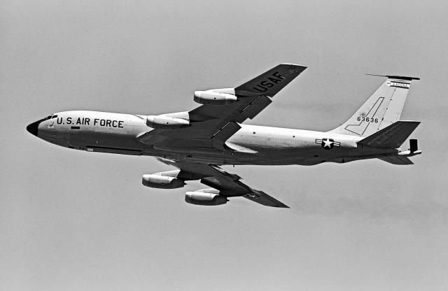 A-330さんが、嘉手納飛行場で撮影したアメリカ空軍 KC-135A Stratotanker (717-100)の航空フォト(飛行機 写真・画像)