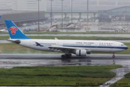 いおりさんが、羽田空港で撮影した中国南方航空 A330-223の航空フォト(飛行機 写真・画像)