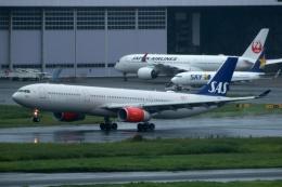 採れたてほしいもさんが、羽田空港で撮影したスカンジナビア航空 A330-343Xの航空フォト(飛行機 写真・画像)
