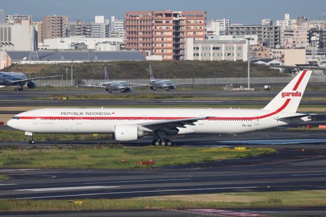 南十字星さんが、羽田空港で撮影したインドネシア政府 777-3U3/ERの航空フォト(飛行機 写真・画像)