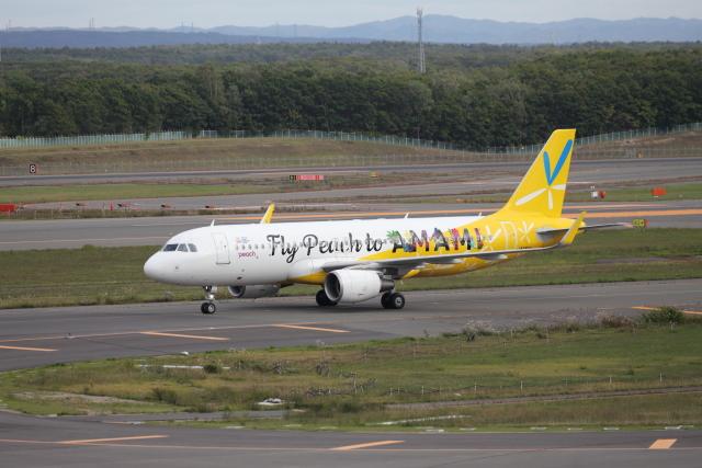 Musondaさんが、新千歳空港で撮影したピーチ A320-214の航空フォト(飛行機 写真・画像)