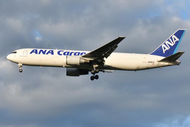 saoya_saodakeさんが、成田国際空港で撮影した全日空 767-381/ER(BCF)の航空フォト(飛行機 写真・画像)