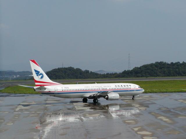 LEVEL789さんが、岡山空港で撮影した中国西南航空 737-8Z0の航空フォト(飛行機 写真・画像)