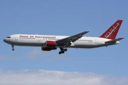しゃこ隊さんが、横田基地で撮影したオムニエアインターナショナル 767-3Q8/ERの航空フォト(飛行機 写真・画像)