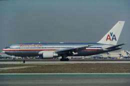 ゴンタさんが、ロサンゼルス国際空港で撮影したアメリカン航空 767-223の航空フォト(飛行機 写真・画像)